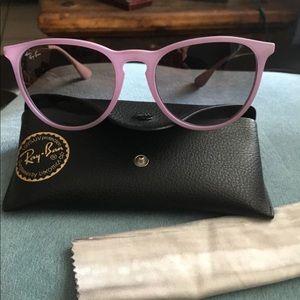 Auth rayban Erika sunglasses nwot